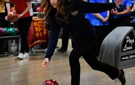 Seniors Gonzalez, Suarez advance to girls bowling regionals