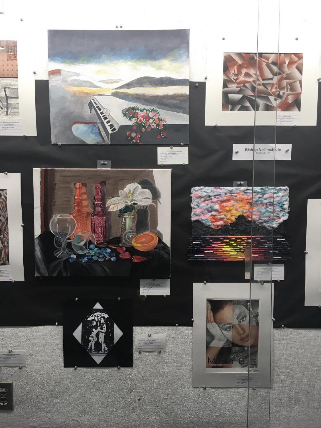 Sophomore Salazar receivers art scholarship at SSC art show
