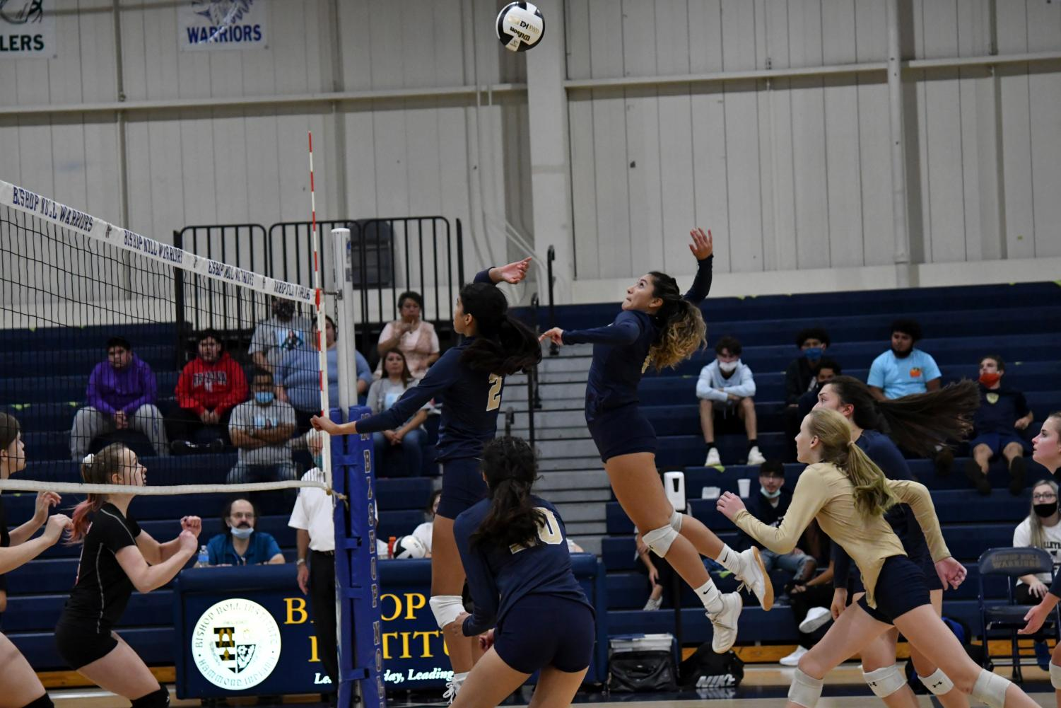Girls volleyball secures win over Lake Station on senior night
